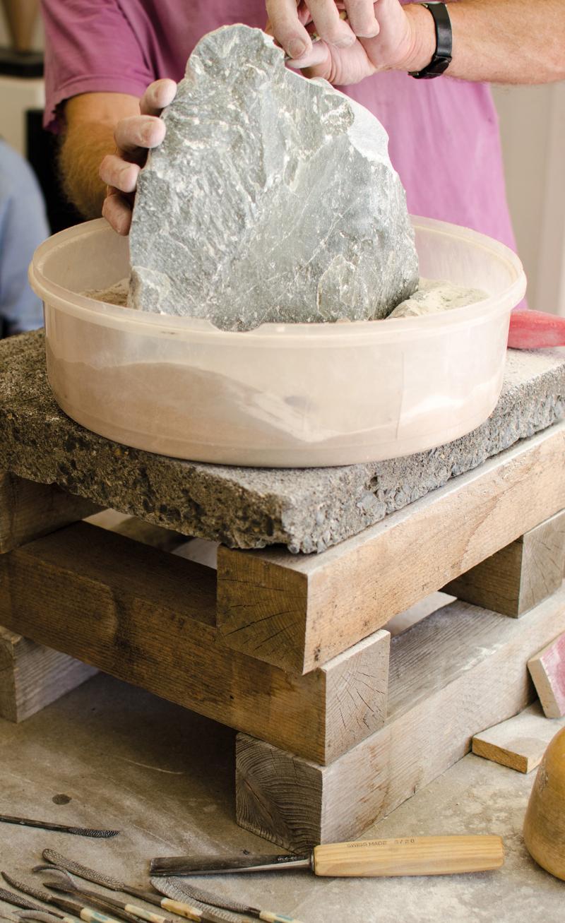 Raue Schale - weicher Kern: Einführung in die Bearbeitung von Steatit (Speckstein)