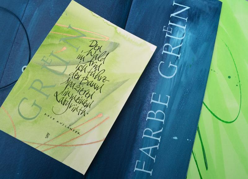 Schrift und Grün