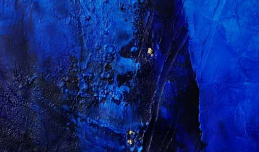 Geheimnisvolles Blau auf Gold